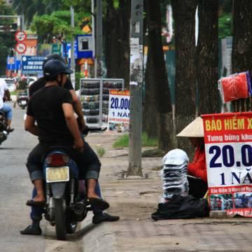 Hoả tốc kiểm tra việc bán bảo hiểm xe máy