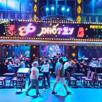 TP.HCM cho phép vũ trường, quán bar hoạt động trở lại từ 18h hôm nay