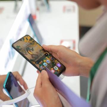 Smartphone 5G ngày càng rẻ