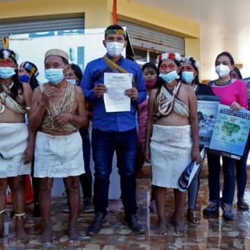 Thổ dân Amazon kiện công ty dầu khí Trung Quốc