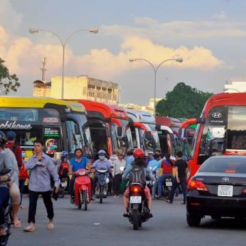 TP.HCM: Giá vé xe Tết tăng 40%-60% so với ngày thường