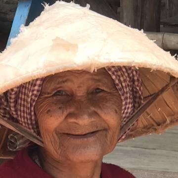 Sông nước Mekong và chiếc khăn rằn