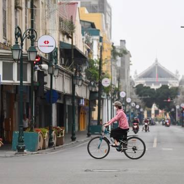 Hà Nội đóng cửa quán ăn đường phố, cà phê từ 0h ngày 16/2