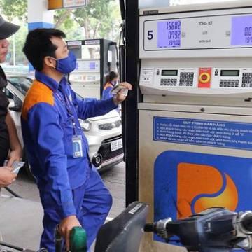 Giá xăng dầu đồng loạt tăng mạnh