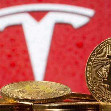 Tesla báo lãi kỷ lục nhờ bán Bitcoin