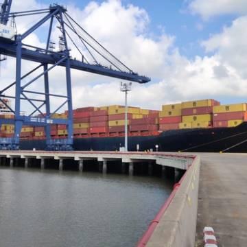 Tiếp tục chào đón tuyến dịch vụ container trực tiếp đi bờ tây Mỹ