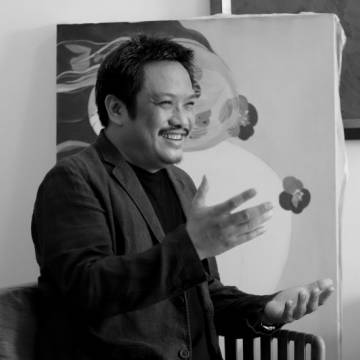 Bùi Tiến Tuấn và tập sách tranh lụa khỏa thân đầu tiên của Việt Nam