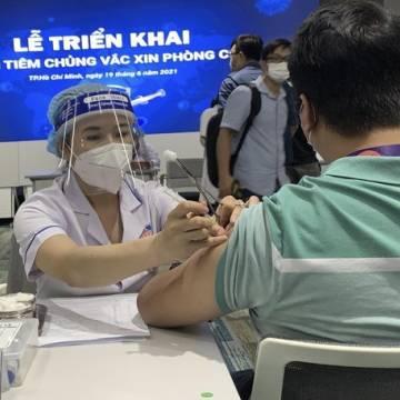 TP.HCM khởi động chiến dịch tiêm chủng vắc xin Covid-19 quy mô lớn