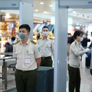 10 tỉnh thành yêu cầu tạm dừng khai thác đường bay đến TP.HCM