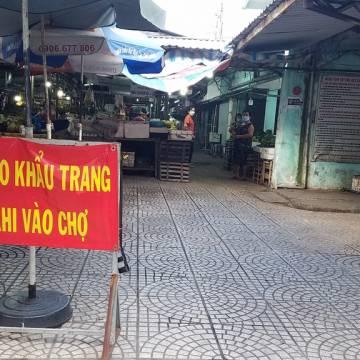 Bác tin đồn hàng trăm chợ truyền thống tại TP.HCM được hoạt động trở lại
