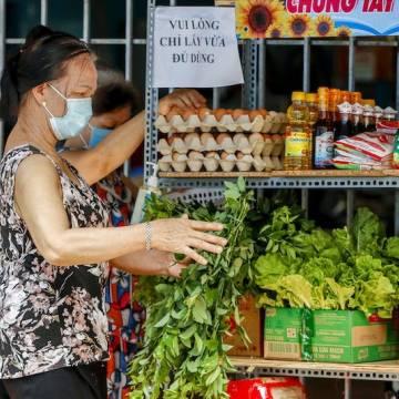 TP.HCM tính toán mở lại một phần chợ truyền thống