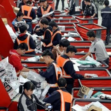 Bắc Kinh thúc đẩy mô hình 'Sản xuất ở Trung Quốc, bán trên Amazon'
