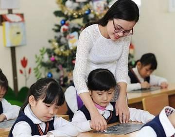 Sở GĐ-ĐT TP.HCM đề xuất miễn học phí học kỳ 1 để hỗ trợ khó khăn cùng người dân