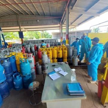 Giá gas đồng loạt tăng thêm 42.000 đồng/bình 12kg