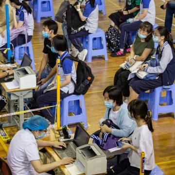 Quan chức Trung Quốc thừa nhận gặp khó trong mở rộng tiêm chủng