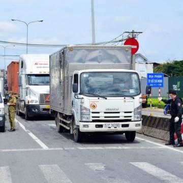 TP.HCM đề xuất các giải pháp lưu thông hàng hóa và đi lại với 5 tỉnh lân cận