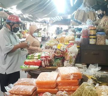 Sức mua tại siêu thị giảm mạnh, TP.HCM tính cách mở lại chợ truyền thống