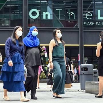 Ca nhiễm tăng cấp số nhân, Singapore vẫn tiếp tục mở cửa