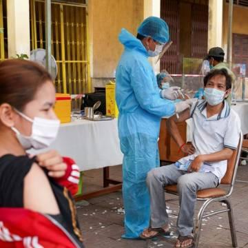Campuchia tiếp tục phát tiền mặt cho các gia đình bị ảnh hưởng bởi dịch Covid-19