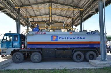 Cổ đông Nhật Bản muốn mua 25 triệu cổ phiếu của Petrolimex