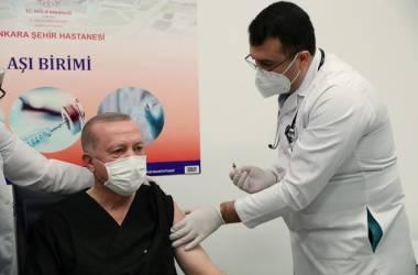Trung Quốc nắm lợi thế trong cuộc đua cung ứng vắc xin Covid-19